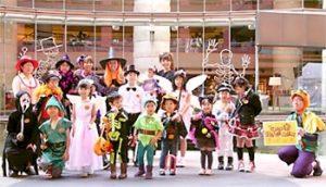 ハロウィンイベントで仮装をする子供達