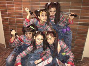 ハロウィンにチャッキーの仮装をする女性5名