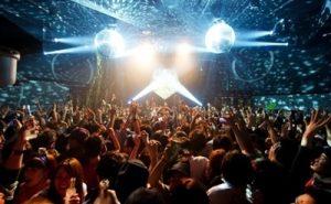 渋谷のクラブのカウントダウン