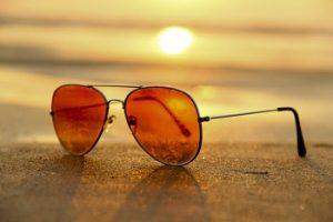 ビーチのサングラス