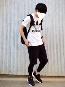 ショートパンツ×レギンス×Tシャツ
