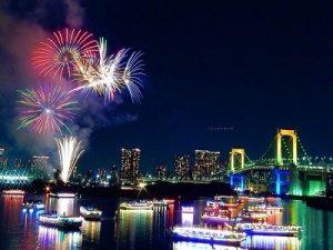 隅田川花火大会の屋形船