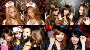 大阪のナイトクラブでハロウィンを楽しむ女性