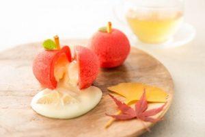 りんごのスイーツと紅葉