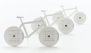 自転車型の卓上カレンダー