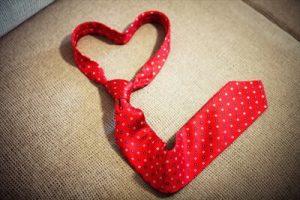 ハート型のネクタイ