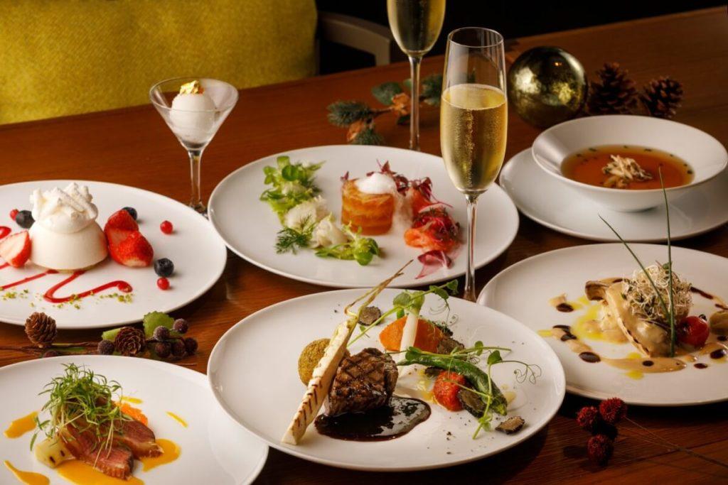 【福岡市内】クリスマスにおすすめのホテルディナー4選|夜景とクリスマスが楽しめるホテルは?