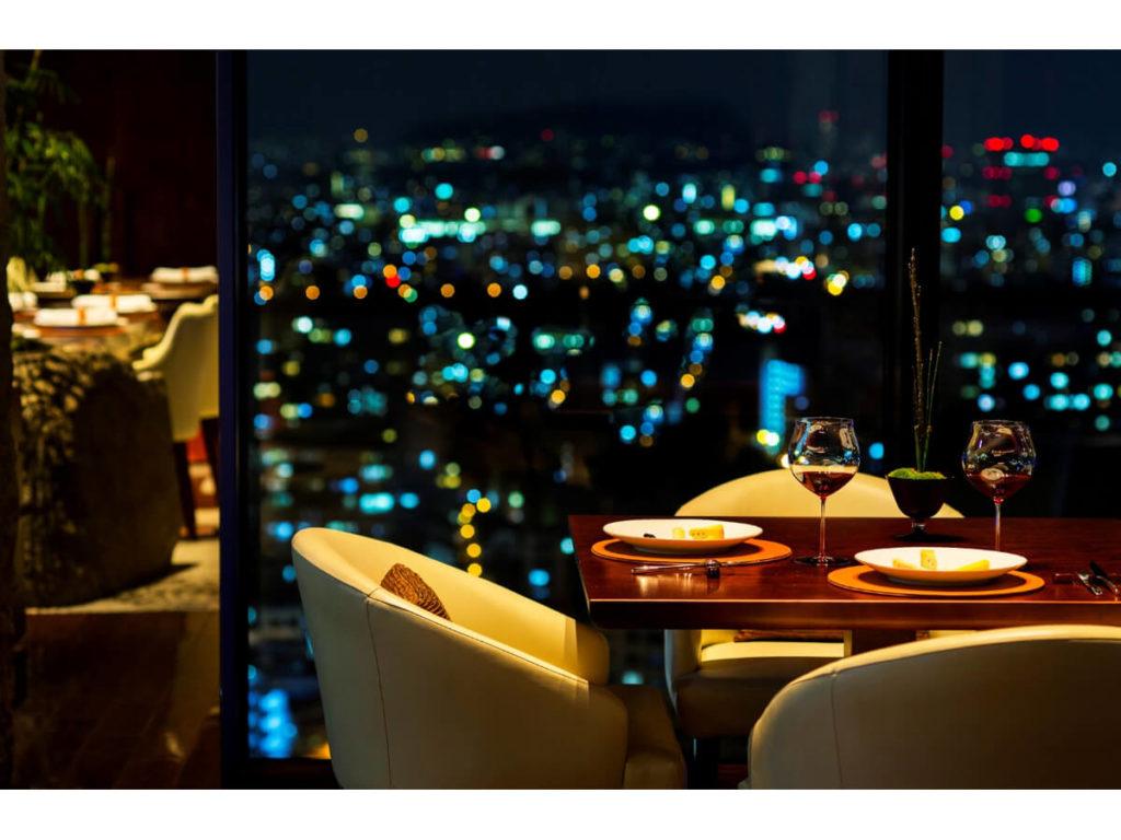 クリスマスに大阪の高級ホテルディナー7選|梅田・難波のホテルで夜景が見える!
