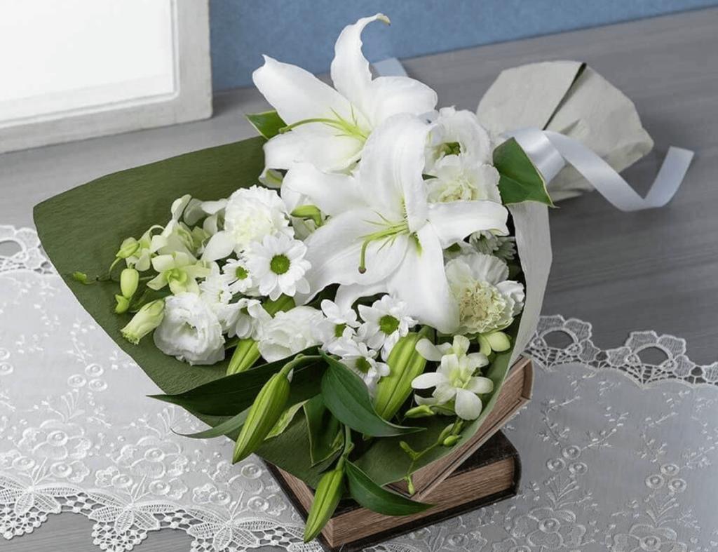 母の日の花にゆりをプレゼント 人気のゆり8選と色別の花言葉を紹介!