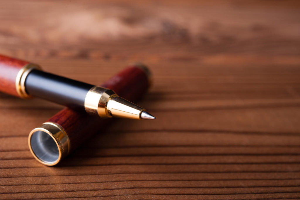 ホワイトデーにボールペンのお返し10選|女性に人気の高級ブランドは?