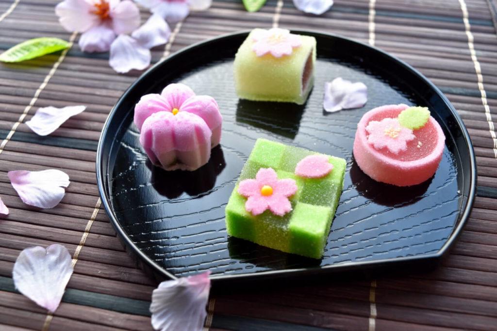 おしゃれに飾られた和菓子