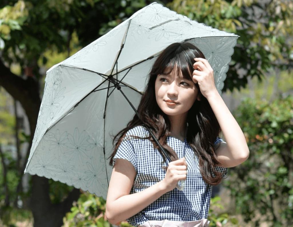 2020年人気の日傘は?ブランドや軽量の長傘の日傘が人気!